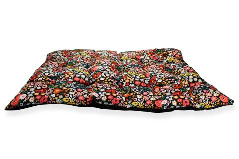 BeOneBreed Nature Dog Bed, Wild Flowers Image