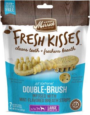 Merrick Fresh Kisses Double-Brush Mint Breath Strips Large Grain-Free Dental Dog Treats, 7 count