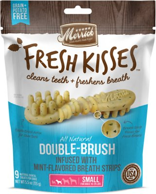 Merrick Fresh Kisses Double-Brush Mint Breath Strips Small Grain-Free Dental Dog Treats, 9-count