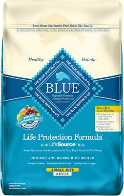 Blue Buffalo Life Protection Formula Small Bite Adult Chicken & Brown Rice Recipe Dry Dog Food, 30-lb bag