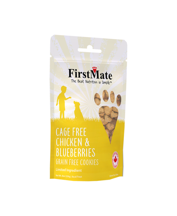 FirstMate Cage Free Chicken & Blueberries Dog Treat, 8-oz