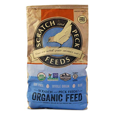 Scratch & Peck Naturally Free Layer, Corn-Free 16% Chicken Feed, 40-lb